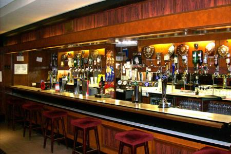 Members Bar 3